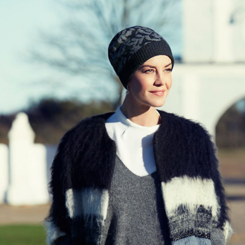 EIRA-hat-knitted